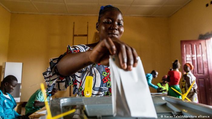 Bangui I Wahlen in Zentralafrika - Stimmabgabe in der Hauptstadt