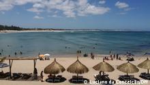 Tofo Beach mit wenig Touristen zu dieser Zeit des Jahres; Titel: Auswirkungen der Covid-19-Pandemie auf den Tourismus in Inbambane. Beschreibung: Tofo Beach mit wenig Touristen zu dieser Zeit des Jahres. Ort: Inhambane - Mosambik Datum: 29.12. 20 Autor: Luciano da Conceição – DW Correspondent;