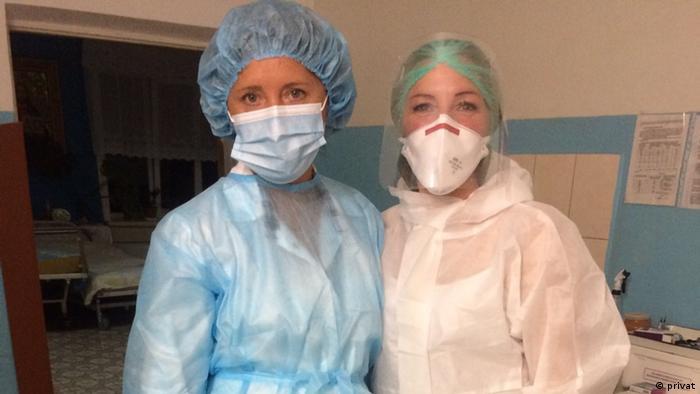 До медпрацівників під час пандемії COVID-19 прикута особлива увага