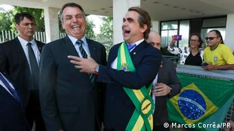 Brasilien Brasilia Jair Bolsonaro und Carioca