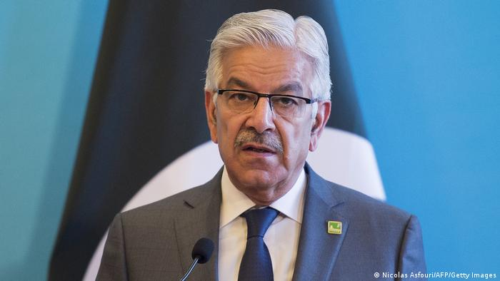 Pakistan's former foreign minister Khawaja Asif speaks during a press conference in 2017.