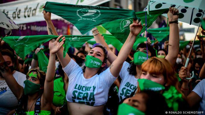 Manifestación a favor del aborto legal, seguro y gratuito en Argentina.