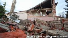Kroatien l Nach dem Erdbeben in Petrinja - zerstörte Häuser