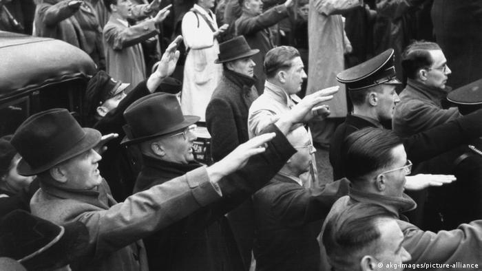 Propaganda za mase: Jednostavne poruke i ponavljanje