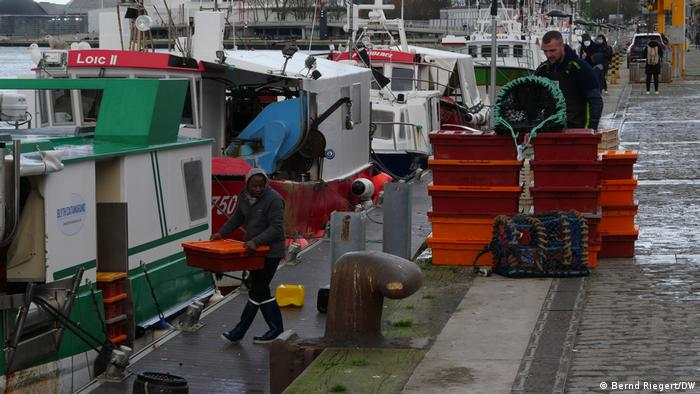 Британските рибари се оплакват, че трудно продават продукцията си в Европа