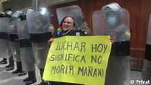 Bolivien | Feministin María Galindo vor dem Regierungsministerium in La Paz