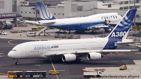 Aviones de Boeing y Airbus en el aeropuerto de Frankfurt.