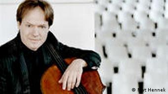 Ян Фоглер, виолончелист и руководитель фестиваля