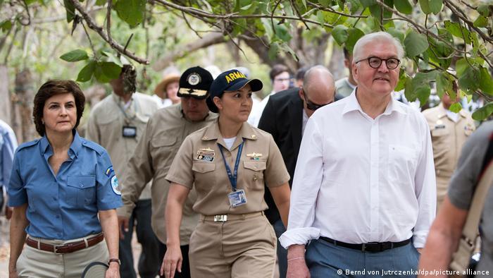 Kolumbien Cartagena | Bundespräsident Frank-Walter Steinmeier und Direktorin der Nationalen Parkbehörde Kolumbiens Julia Miranda