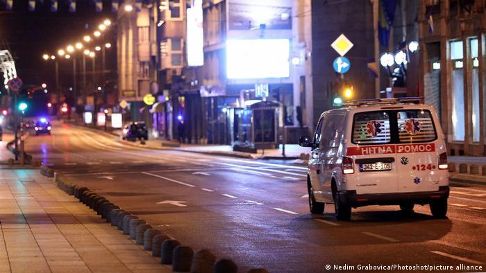U Sarajevu već dvije sedmice prazne ulice i policijski sat