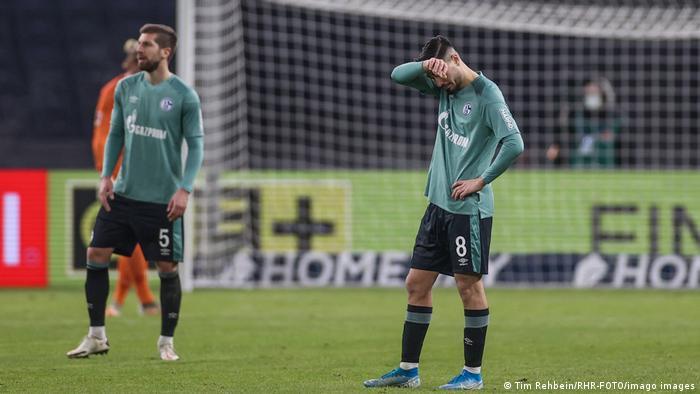El Schalke sigue teniendo una temporada de pesadilla y se mantiene en la última posición de la tabla, algo que no es costumbre para el tradicional equipo de la Bundesliga. Después de 30 partidos sin victorias, que se remontan incluso a la temporada pasada, el Schalke está ahora a solo un partido de igualar el récord de todos los tiempos.