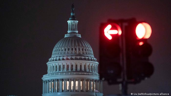 ادامه مشاجره بر سر انتقال قدرت سیاسی در آمریکا