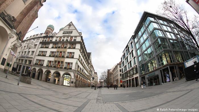 Пустые улицы Мюнхена во время второго локдауна