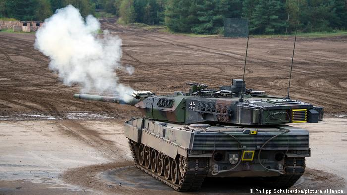 A Leopard 2A7 fighting vehicle