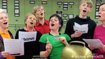 Eine Gruppe beim Singen
