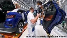 Deutschland Zwickau | Volkswagenwerk | Produktion des ID.4