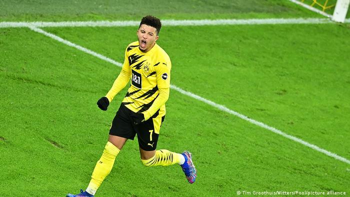 Jadon Sancho celebrates his goal for Borussia Dortmud