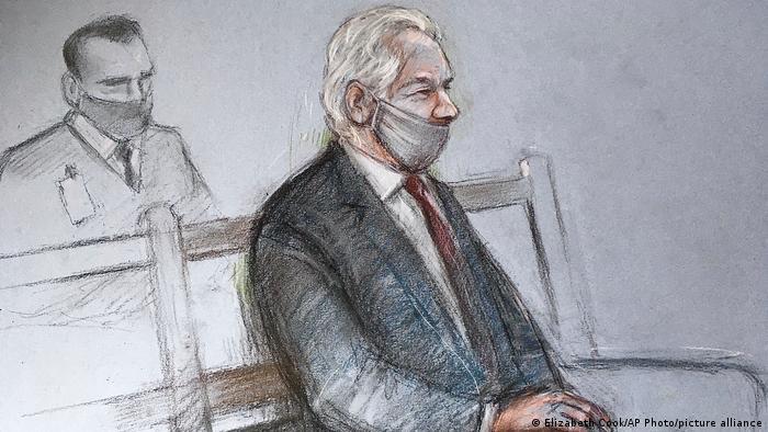 Crtež na kojem se vidi Asanž u sudnici u Londonu