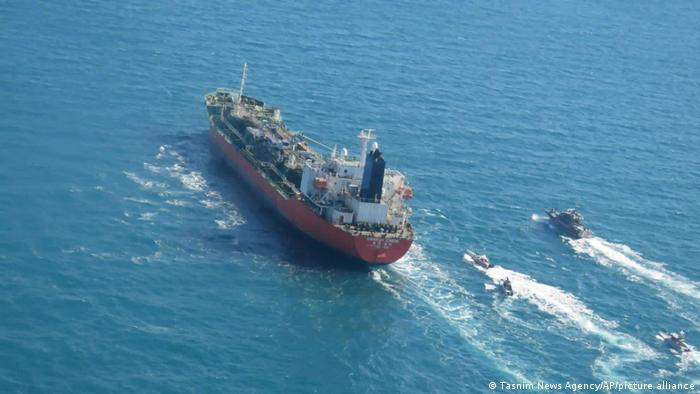 Navio sul-coreano interceptado por lanchas da Guarda Revolucionária do Irã