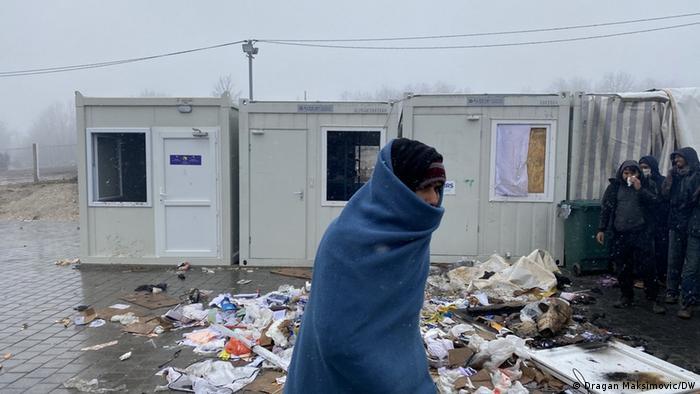 Migrant u kampu Lipa in Bihać prije požara
