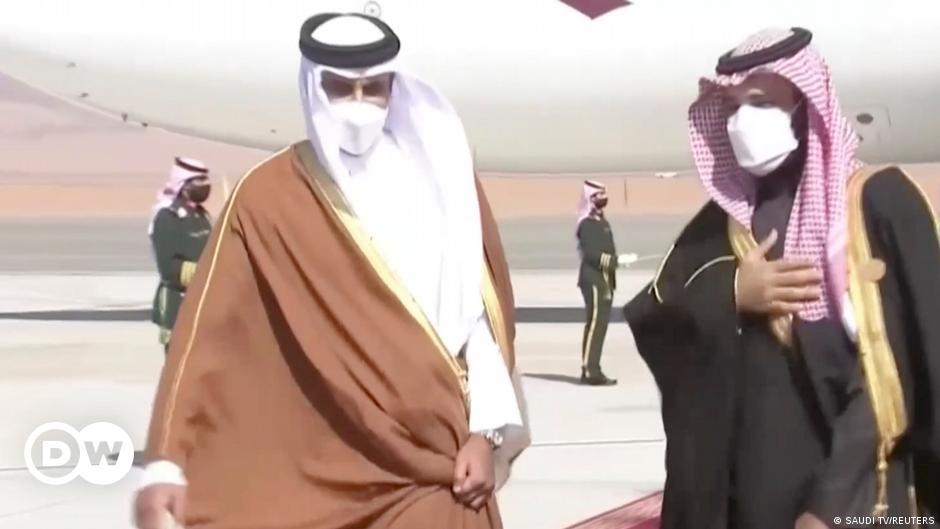 انتقادات بحرينية لقطر والسعودية تفتح سفارتها قريبا في الدوحة