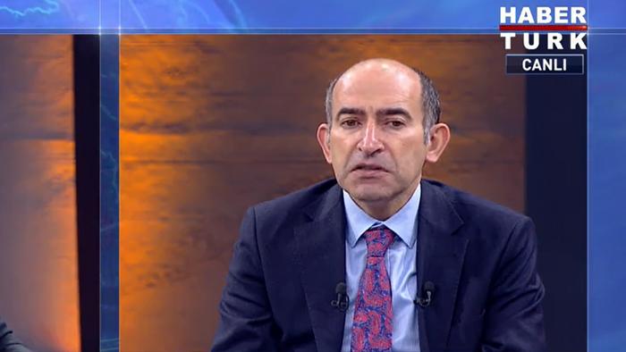 Stručnjak za finansije Melih Bulu jedan je od osnivača AKP u istanbulskoj četvrti Sarjer