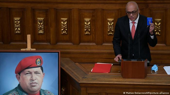 El chavismo nombró a Jorge Rodríguez nuevo presidente de la Asamblea Nacional Venezolana tras obtener 256 escaños de 277, en elecciones en las que no participaron los líderes de la oposición.