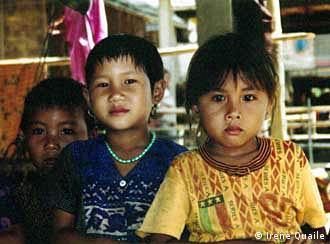 La mitad de la población de Laos es infantil.