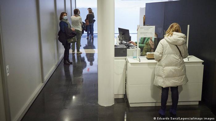 Čekanje u redu za cijepljenje u Španjolskoj