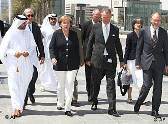 Меркель во время визита в Катар