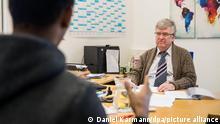 Deutschland Asylpolitik | Anhörung zur Identitätsprüfung