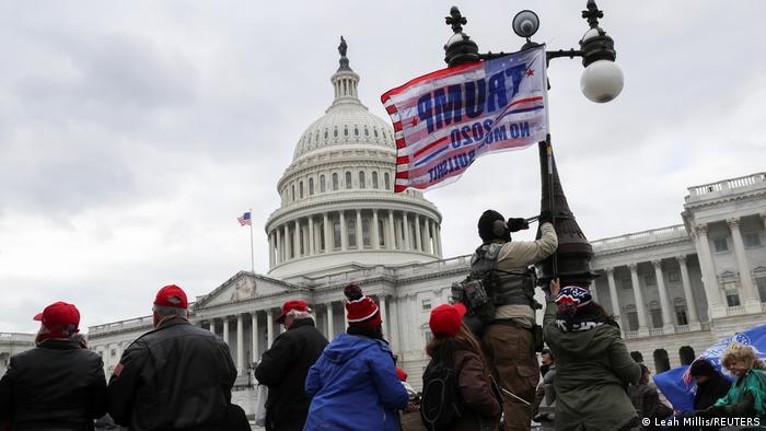 USA | Präsidentschaftswahl | Trump-Anhänger vor dem Kapitol in Washington