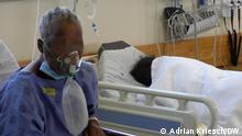 """""""Ich warte seit drei Tagen auf ein Bett"""" - Die Covid-Station am Krankenhaus in Khayelitsha Fotograf: Adrian Kriesch, DW-Mitarbeiter, Dezember 2020."""