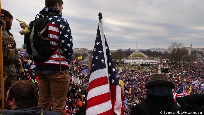 Washington I Sturm gegen U.S. Capitol - Trump-Anhänger versammeln sich