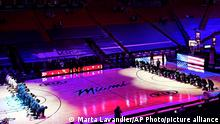 06.01.2021 The Boston Celtics and the Miami Heat teams kneel during the playing of the National Anthem before the start of an NBA basketball game, Wednesday, Jan. 6, 2021, in Miami. (AP Photo/Marta Lavandier)