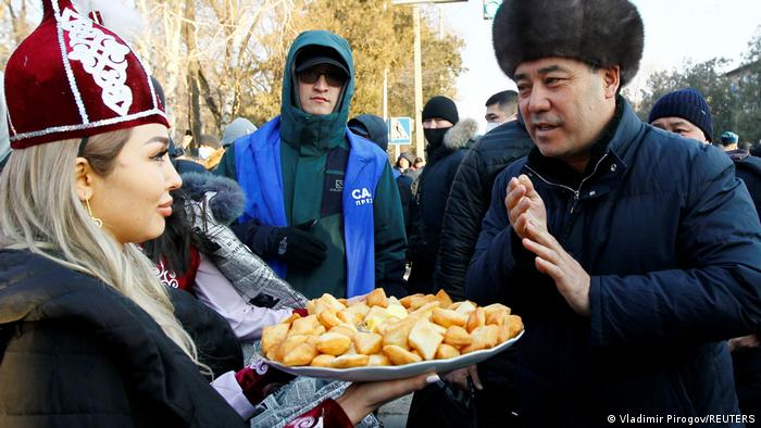 Садыр Жапаров во время своей избирательной кампании