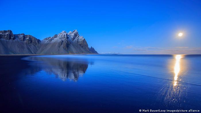 Гора Вестрахорн в Исландии
