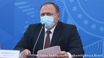 Brasilien Gesundheitsminister Eduardo Pazuello bei der Ankündigung des Erwerbs von Covid-19-Impfstoffe
