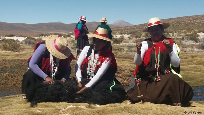 Mujeres en el altiplano.