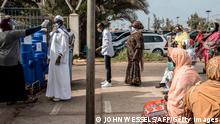 Coronavirus Senegal Dakar | Patienten vor Pikine Hospital