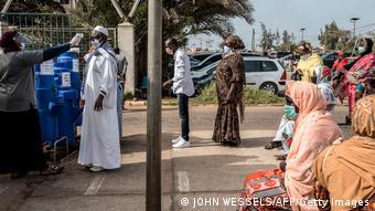 Contrôle sanitaire à l'hôpital de Pikine au Sénégal