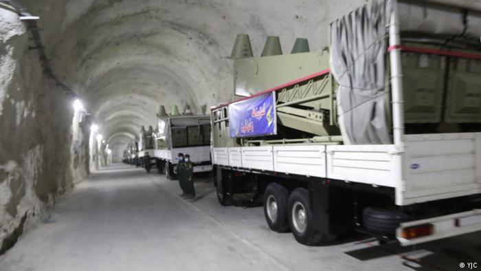 همزمان با اوج گرفتن تنشها از سوی دیگر ایران اعلام کرد که به زودی غنیسازی ۲۰درصدی اورانیوم را آغاز خواهد کرد و در کنار رزمایش پهپادی از تونلهای موشکی جدید در خلیج فارس رونمایی کرد.