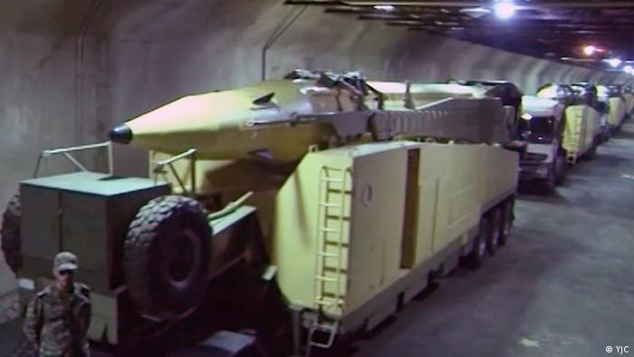 به گفته او این موشکها با برد صدها کیلومتر، نقطهزن و دقیق، با قدرت تخریب بسیار بالا و قادر به عبور از تجهیزات جنگ الکترونیک دشمن هستند.