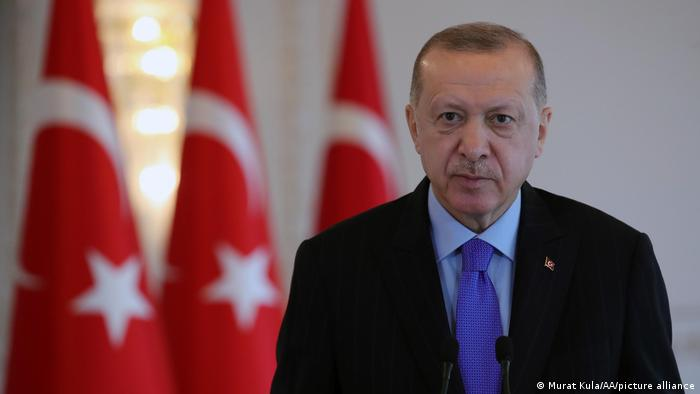 الرئيس التكري رجب طيب اردوغان يصف الطلبة المحتجين بالإرهابيين