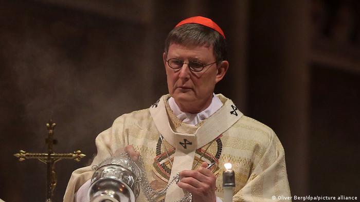 Deutschland | Kardinal Rainer Maria Woelk bei Christmette im Dom in Köln