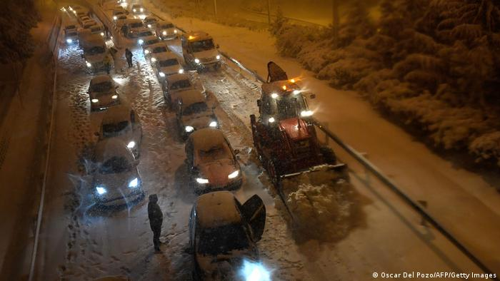 Cars stuck in the snow in Spain