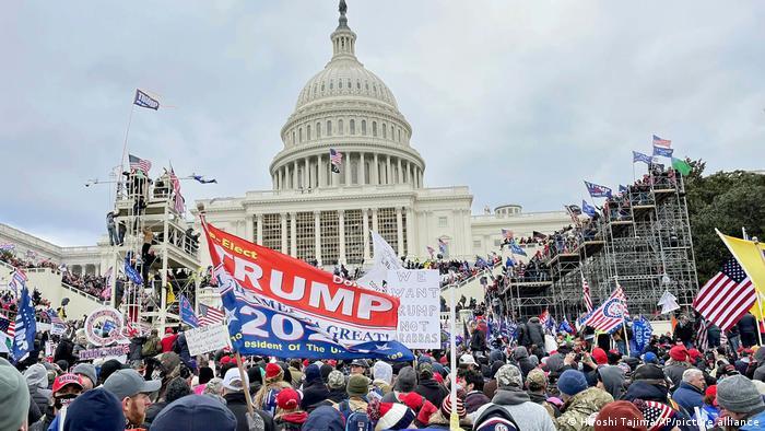 USA Washington   Pro-Trump Unterstützer stürmen Kapitol