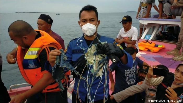 Виявлені в Яванському морі уламки, як припускають, можуть бути частинами літака