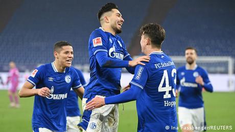 Deutschland Bundesliga FC Schalke 04 v TSG Hoffenheim | 3. Tor Matthew Hoppe