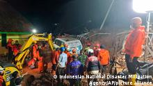 Indonesien | Flugzeug mit 62 Menschen an Bord vom Radar verschwunden